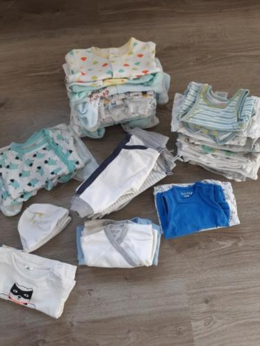 Baby jongen kleding pakket maat 50 en 56