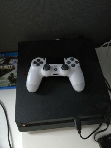 Ps4 slim 1tb met game en account