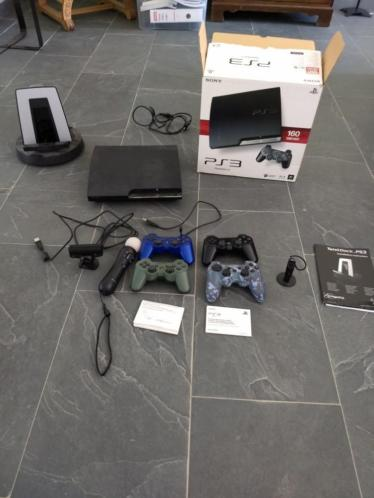 PS3 + 4 controllers + docking station + motion controller