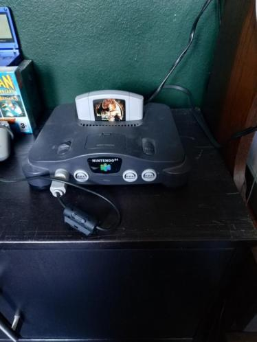 Te koop n64 met 1 game en kabels