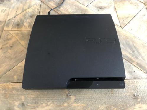 PS3 slim inclusief spellen en controllers