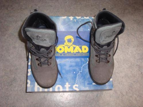 Nomad hoge wandelschoenen maat 39 zo goed als nieuw